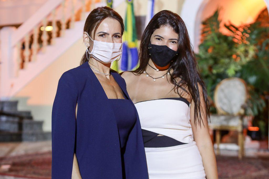 Luciana Sousa E Marina Fujita (1)