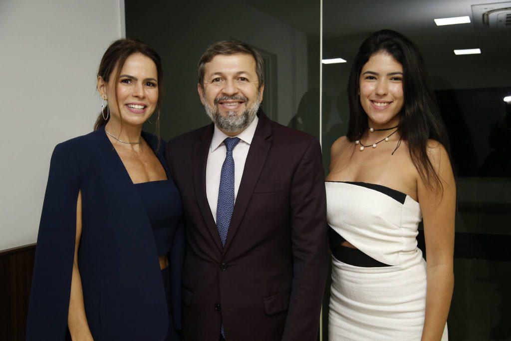 Luciana Sousa, Elcio Batista E Marina Fujita