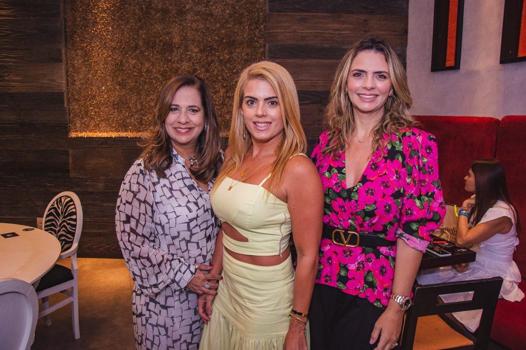 Martinha Assuncao, Leticia Studart E Tais Pinto