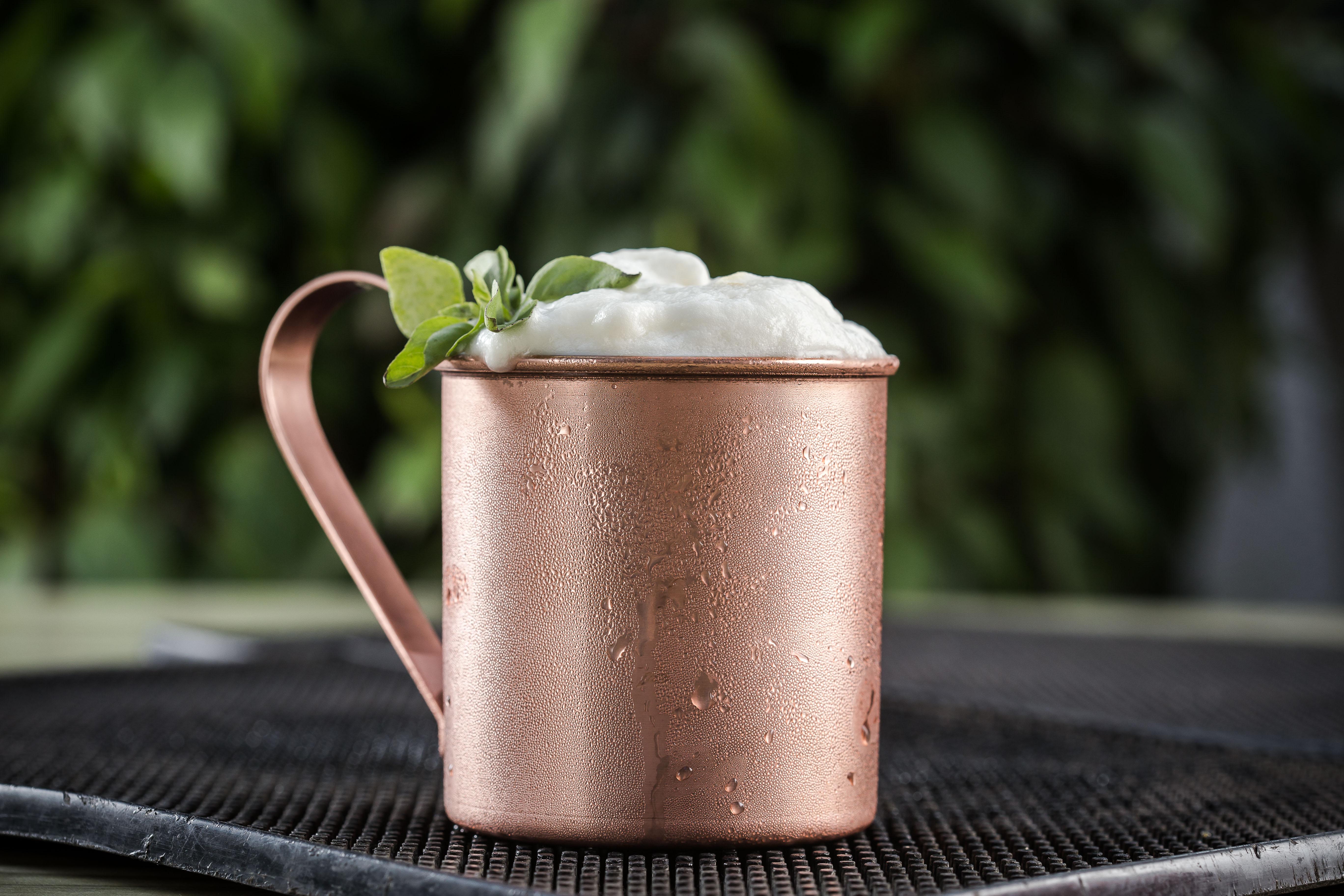 Grupo Geppos lista cinco drinks para você se refrescar neste verão. Confira!