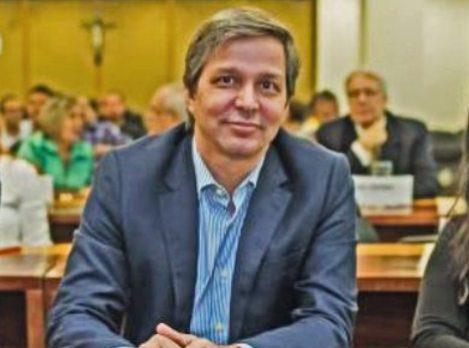 Rômulo Alexandre recebe a Comenda Iracema de Ouro 2020 – Empreendedor
