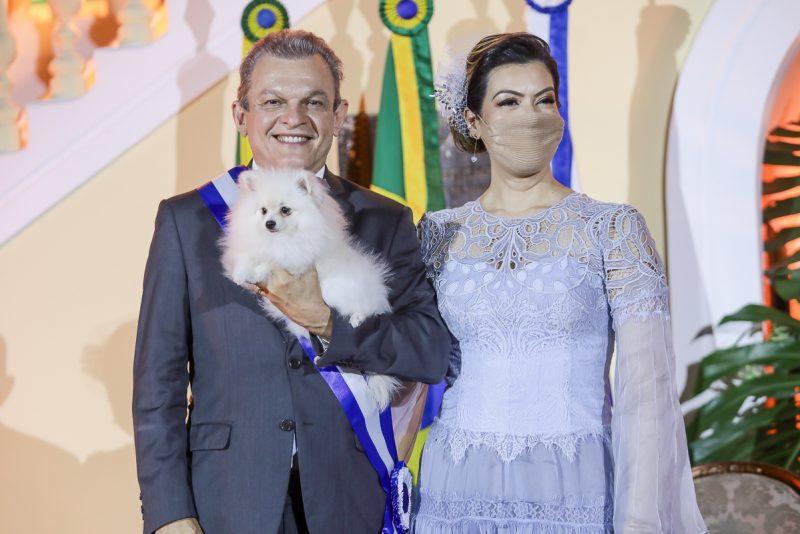 Transmissão de Cargo - José Sarto Nogueira recebe a faixa de prefeito de Fortaleza das mãos de Roberto Cláudio em cerimônia no Paço Municipal