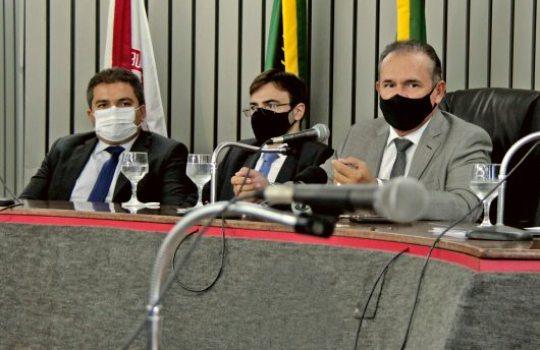 Washington Araújo realiza prestação de contas do Poder Judiciário cearense