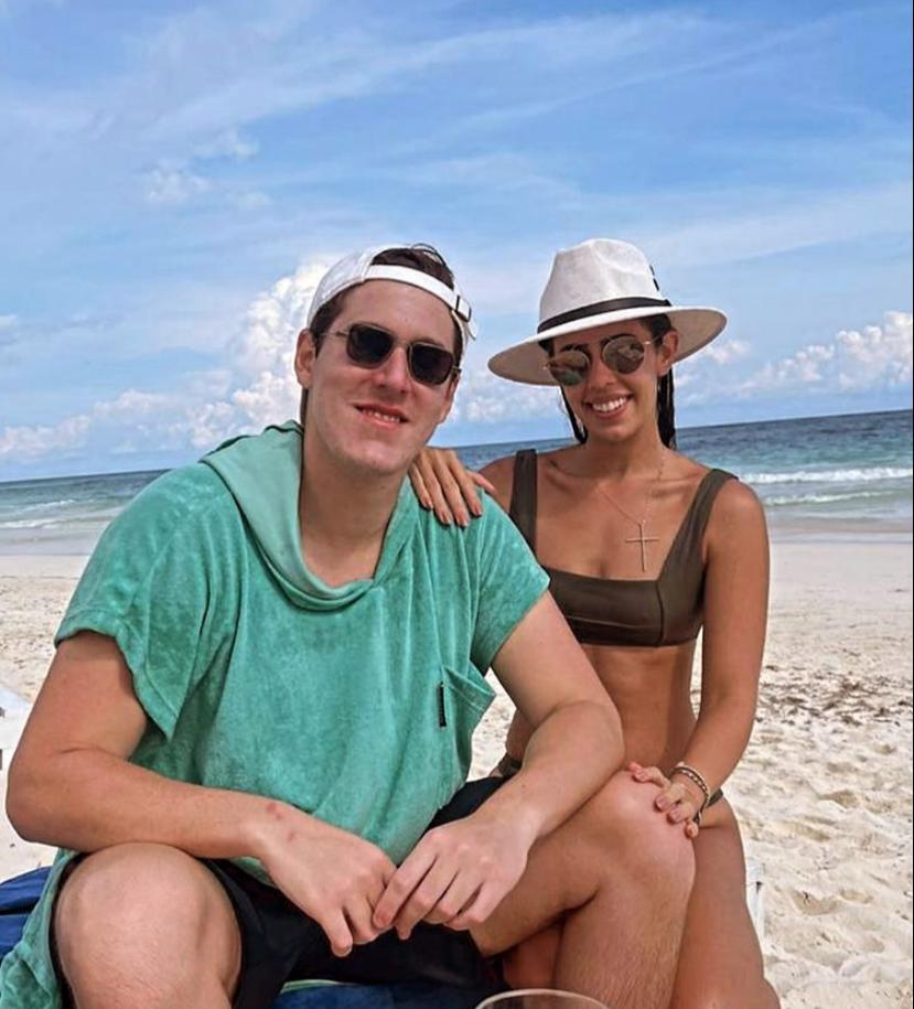 Marcelo Dias Branco e Julia Leal aproveitam os dias quentes em Tulum