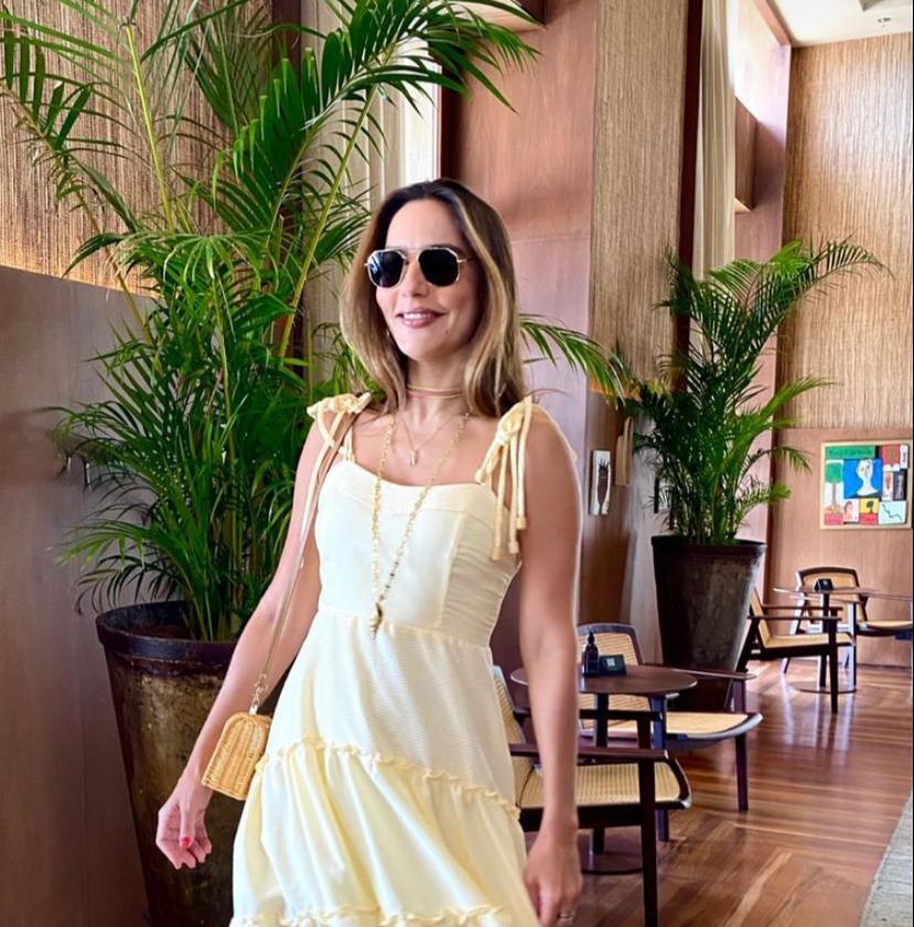 Lara Romcy brinda a nova idade em Salvador