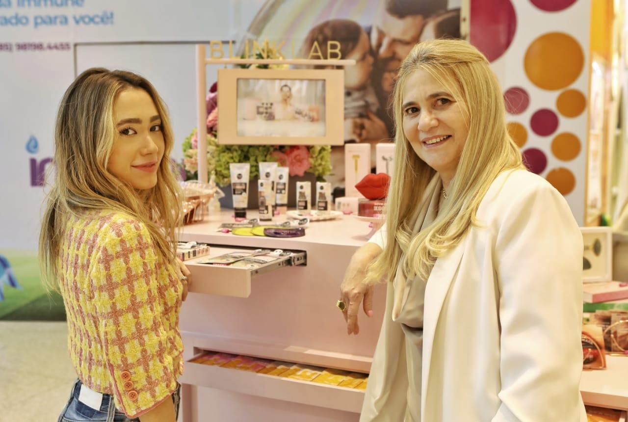 Lissa e Morgana Dias Branco inauguram quiosque da Blink Lab no RioMar Fortaleza