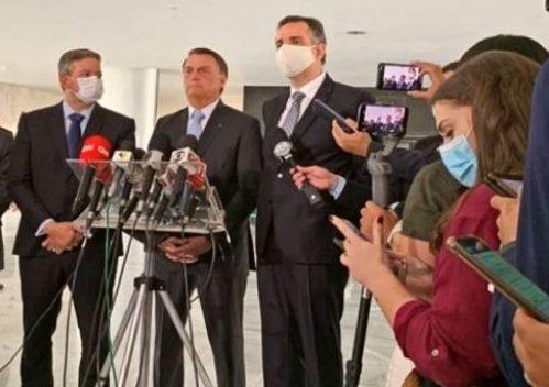 Bolsonaro se reúne com Pacheco e Lira e entrega pauta sobre assuntos prioritários a serem tratados no Congresso Nacional