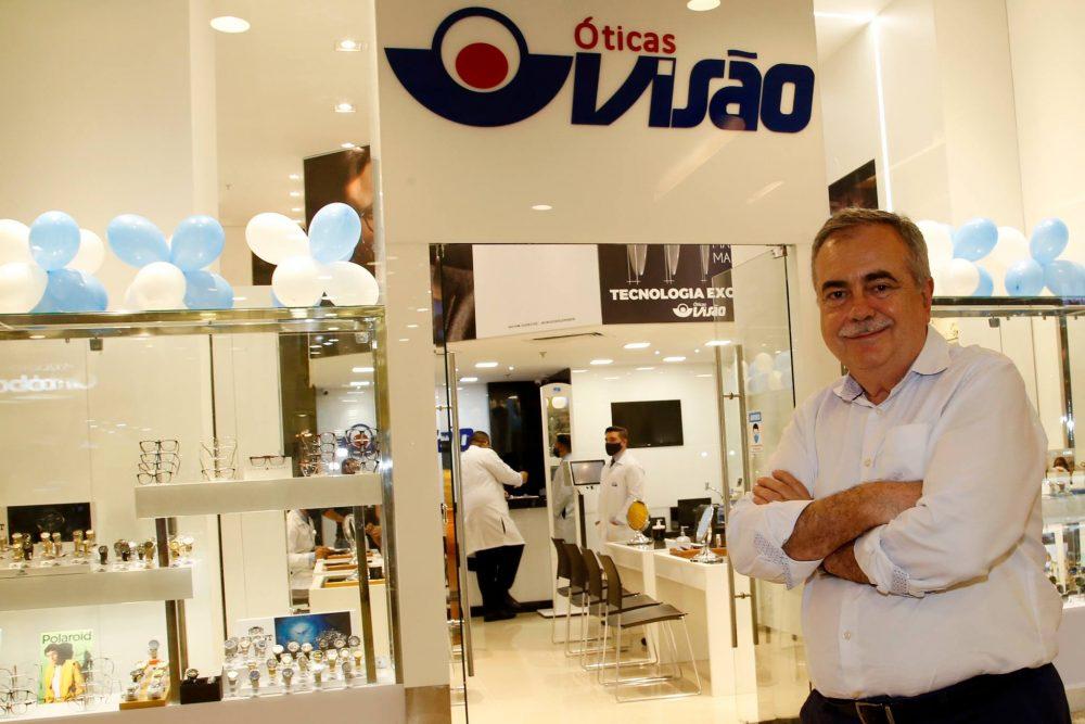 Assis Cavalcante inaugura nova loja da rede Óticas Visão na capital cearense