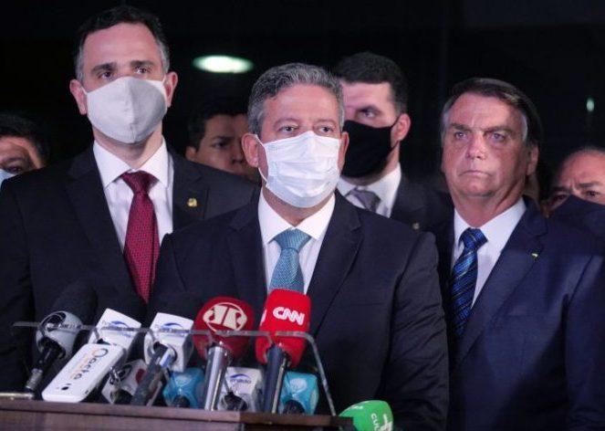 Bolsonaro entrega MP ao Congresso que autoriza a privatização da Eletrobras