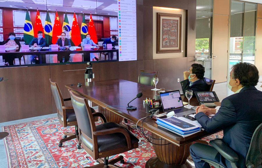 Camilo solicita a embaixador da China o fornecimento de insumos para vacinas