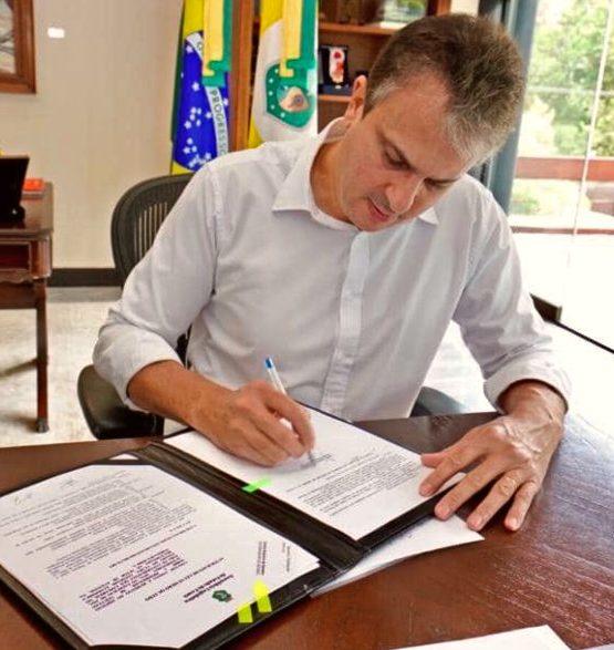 Camilo Santana sanciona leis que darão apoio a quem atua no setor de eventos