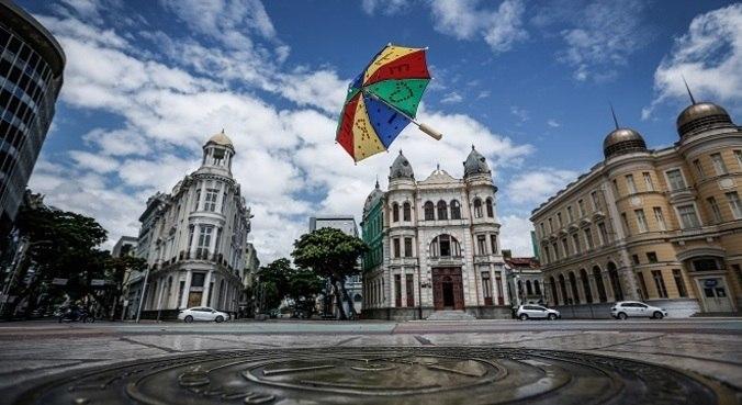 Comitê Científico alerta sobre a possibilidade de não ter Carnaval em 2022