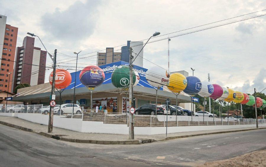 Frangolândia abre loja no Guararapes com diferenciais em adega e cafeteria