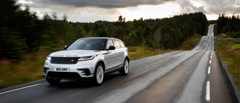 Com tecnologia híbrida, Range Rover Velar 2021 chega neste mês