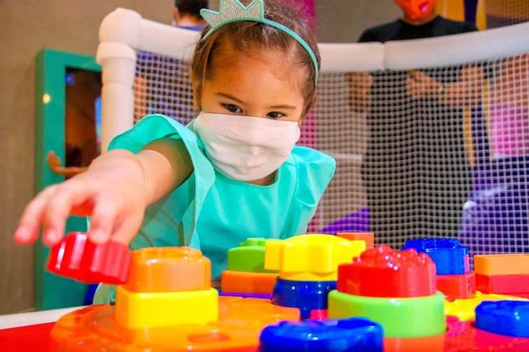 Com os cuidados necessários, Shoppings RioMar são opções seguras de diversão para a criançada