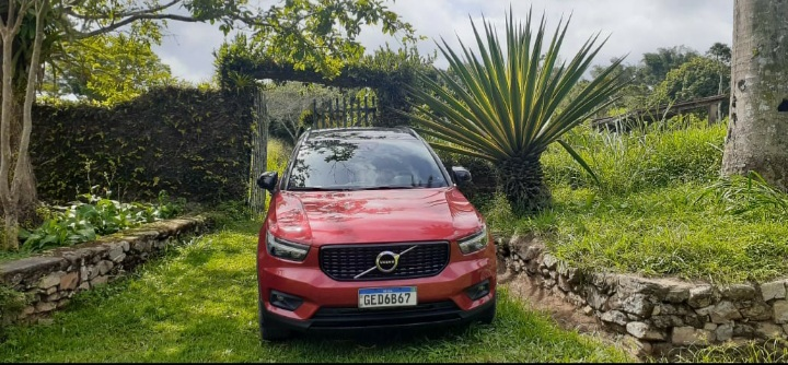 Dirigimos o Volvo XC 40 hybrid: cinco estrelas é pouco, viu!
