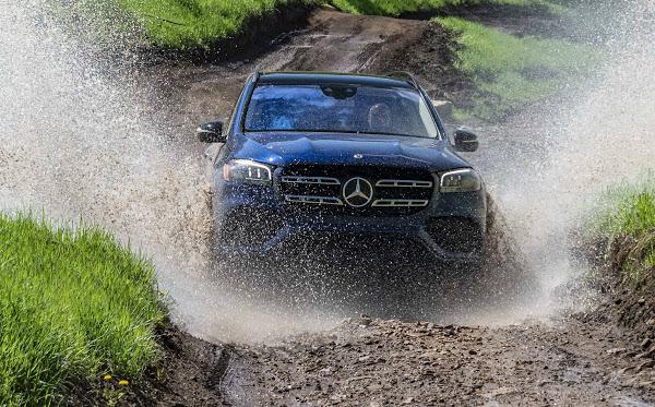 Maior e mais confortável da marca, Novo GLS, da Mercedes-Benz, está vindo aí