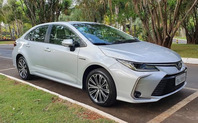 Nova linha do Corolla chega com novidades no Brasil