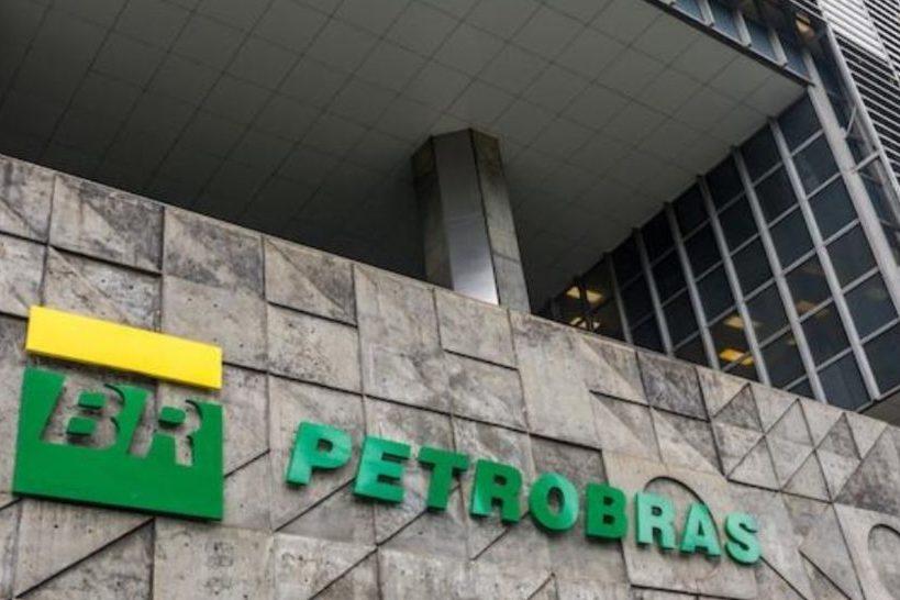 Ações da Petrobras caem 20% e puxam Ibovespa para baixo nesta segunda-feira