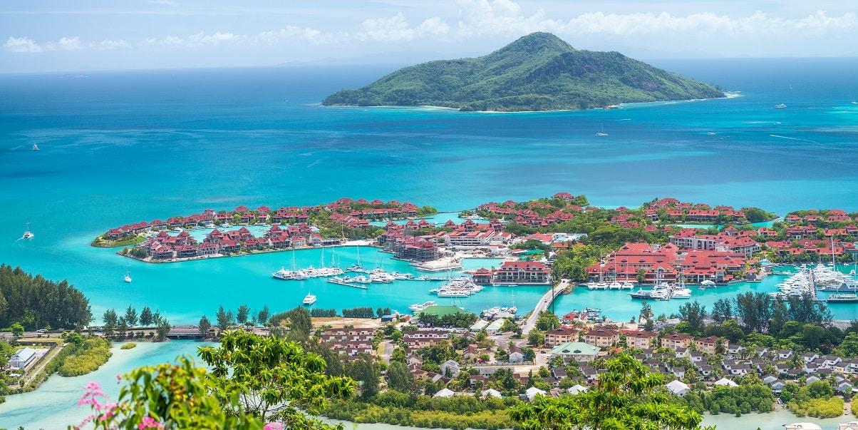 Seychelles dá boas vindas aos turistas vacinados contra a Covid-19