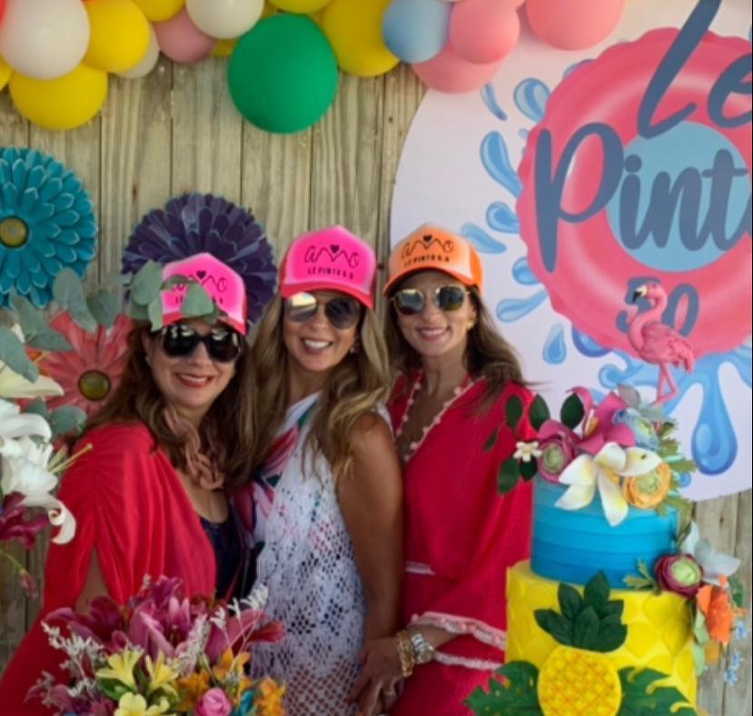 Alexandra Pinto celebra seu start nas cinco décadas com comemoração no Guajiru