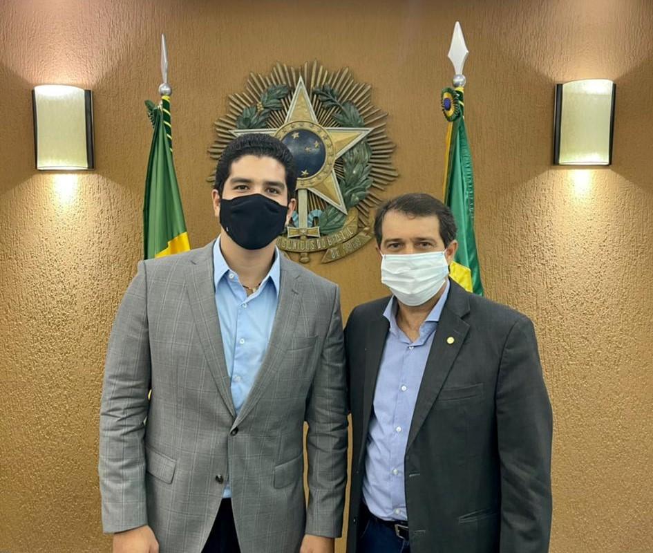 Pedro França visita a Assembleia Legislativa do Ceará e se reúne com o deputado Evandro Leitão