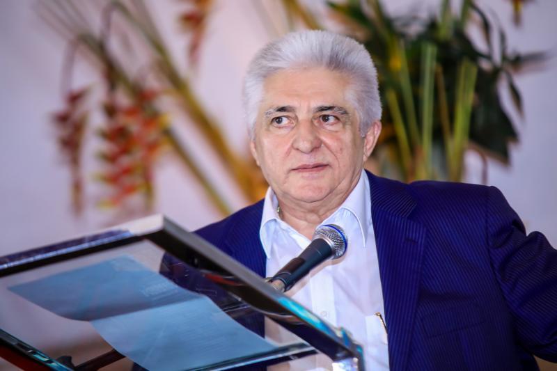 Deusmar Queirós fala de sua trajetória empresarial e crescimento da Pague Menos em live do LIDE Ceará
