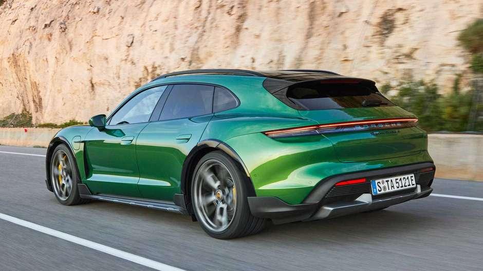 Porsche apresenta sua perua elétrica, o Taycan Cross Turismo