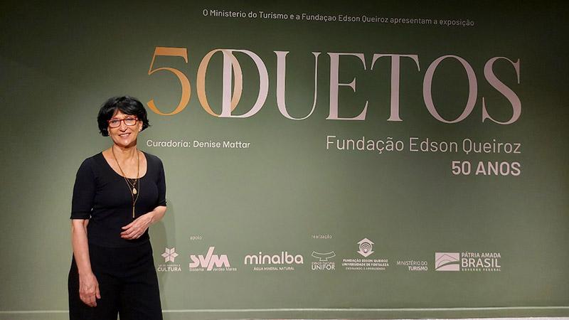 Denise Mattar participa de live destacando o acervo da exposição 50 Duetos