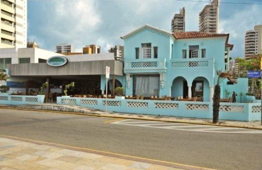 Casa que pertenceu à avó de Tasso Jereissati é demolida na Av. Beira Mar