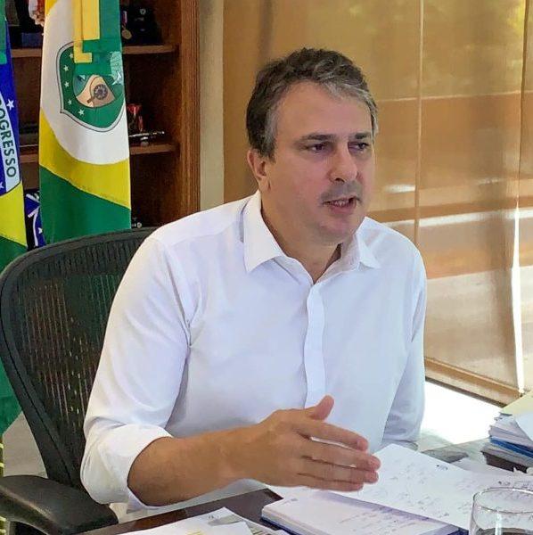 Camilo anuncia novo lote de vacinas na quarta-feira e inaugura 30 leitos de UTI, na UPA da Praia do Futuro, amanhã