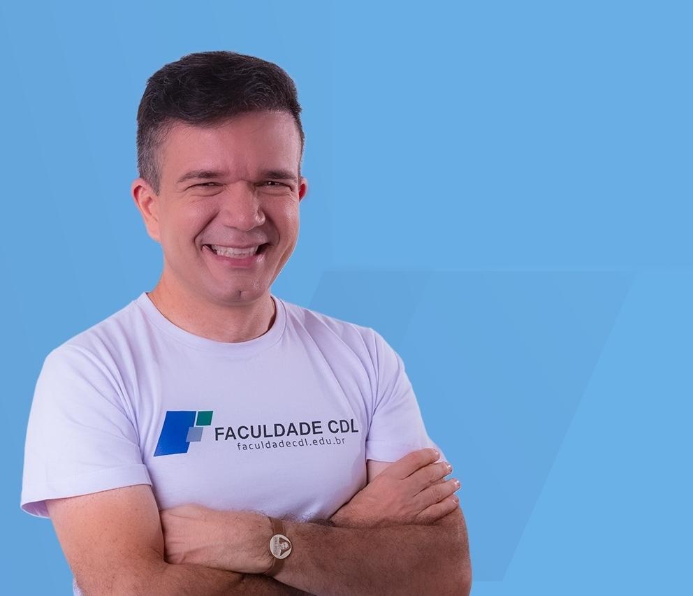Cantor e sanfoneiro Waldonys estrela nova campanha da Faculdade CDL