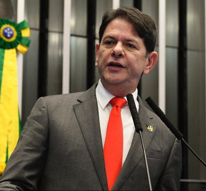 Cid Gomes culpa Bolsonaro pelas 300 mil mortes ocorridas por causa da pandemia