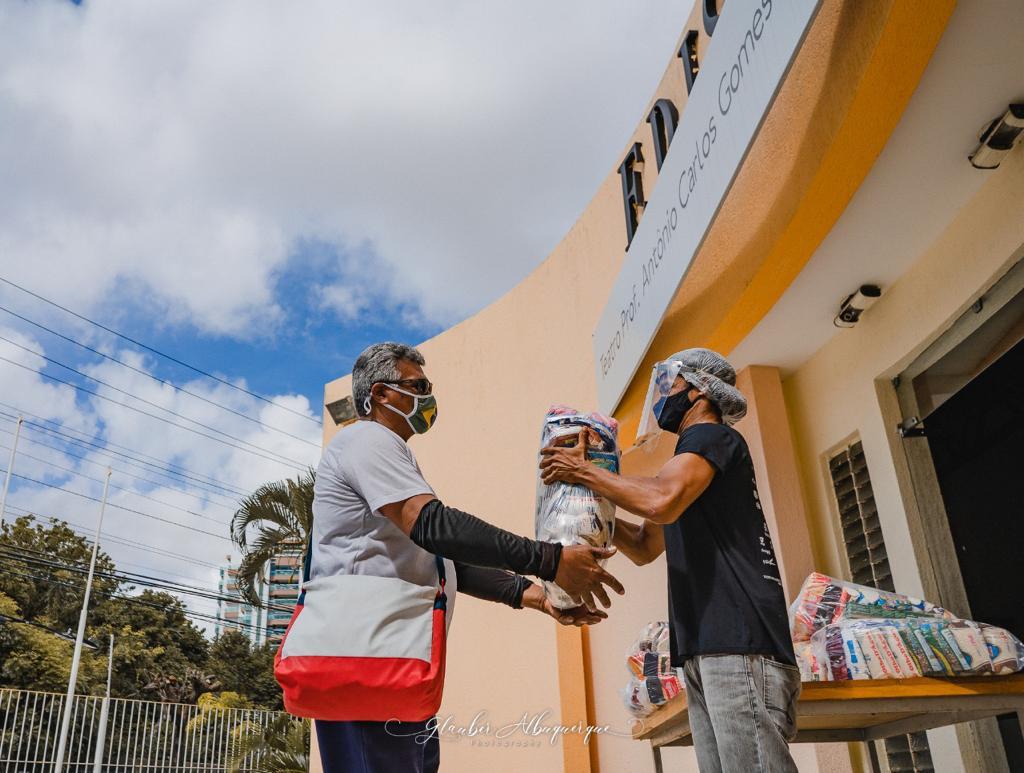 Grupo JCPM realiza novas doações de alimentos em Fortaleza