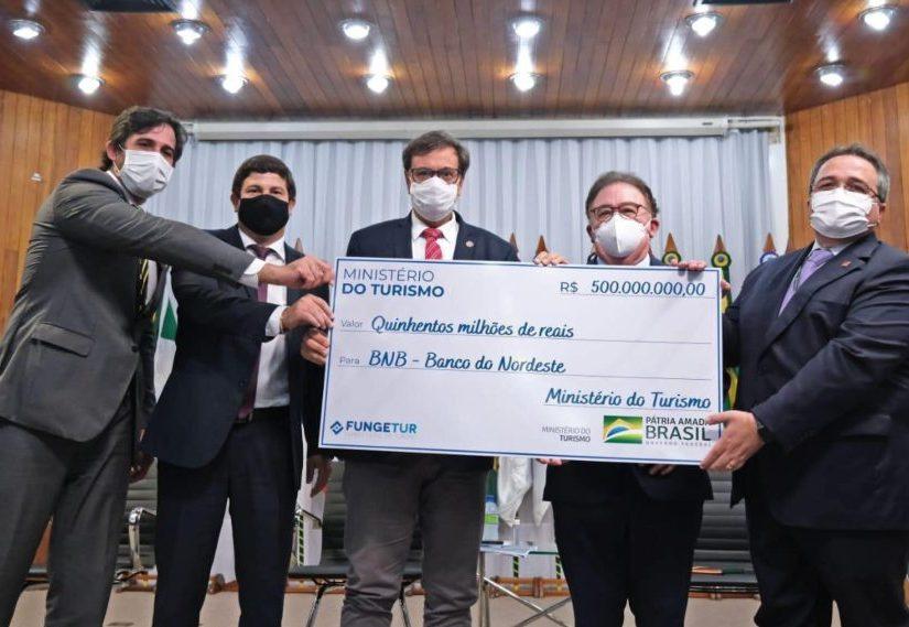 MTur libera R$ 500 milhões para linha de crédito que vai ser operada pelo BNB