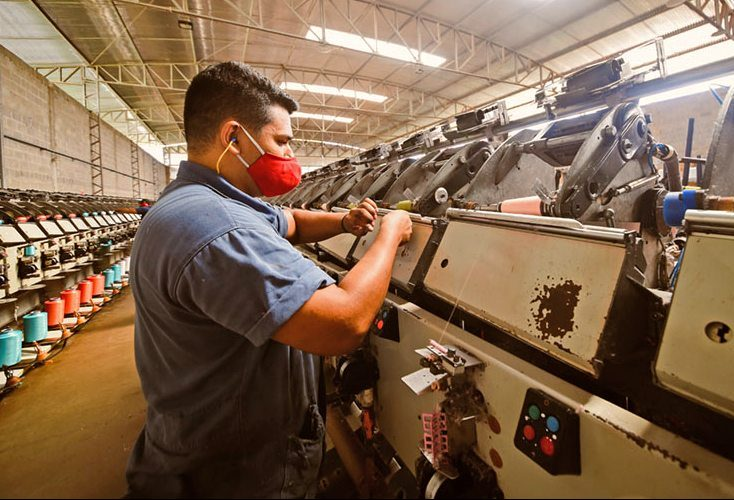 Pesquisa da CNI revela que 90% dos respondentes creem que ter indústria forte deve ser prioridade para o Brasil