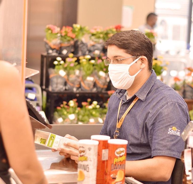 Mercadinhos São Luiz divulga novo horário de funcionamento em suas lojas