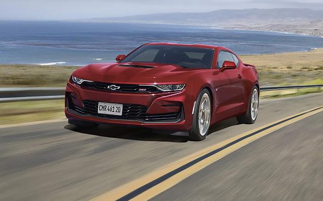 Chevrolet Camaro 2021 tem facelift e inova por dentro