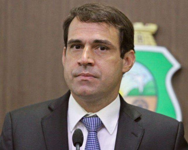 Deputado Salmito critica de maneira veemente a postura de Jair Bolsonaro