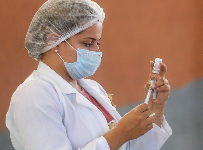 Prefeitura de Fortaleza inicia vacinação de pessoas a partir de 65 anos amanhã