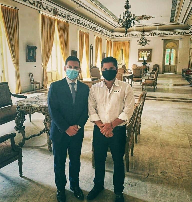 Nicola Miccione recebe Pompeu Vasconcelos no Palácio Guanabara