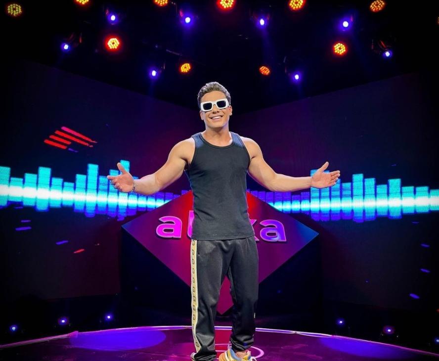 """Wesley Safadão vai cantar seus grandes sucessos na live do projeto """"TBT"""". Vem saber!"""
