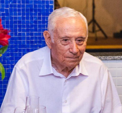 Ex-governador Adauto Bezerra morre em decorrência de complicação da Covid-19