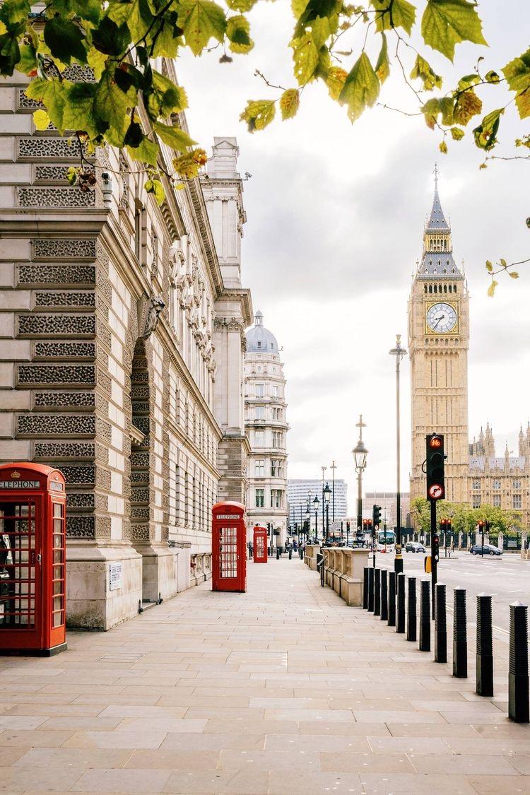 Boris Johnson traça novas regras para viagens internacionais de Londres