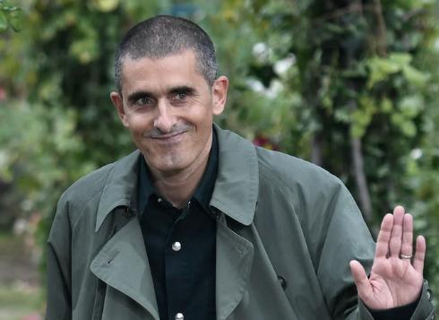 Felipe Oliveira Baptista se despede da direção criativa da Kenzo
