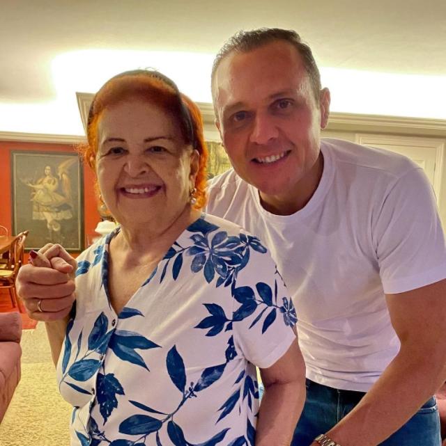 Eduardo Diogo celebra a nova idade de Dona Regina Célia nesta quinta-feira (29)