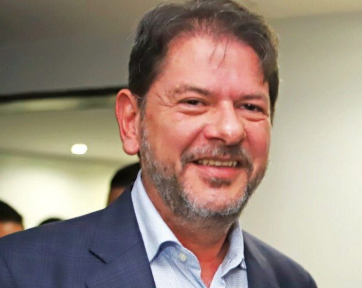 Cid Gomes critica ameaça de Bolsonaro a Randolfe Rodrigues de maneira veemente
