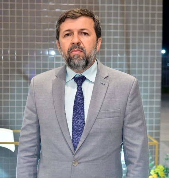 Élcio Batista diz que investir em inovação e educação vai reduzir as desigualdades socioespaciais existentes em Fortaleza
