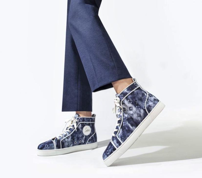 Christian Louboutin lança sapatos na nova tendência denim