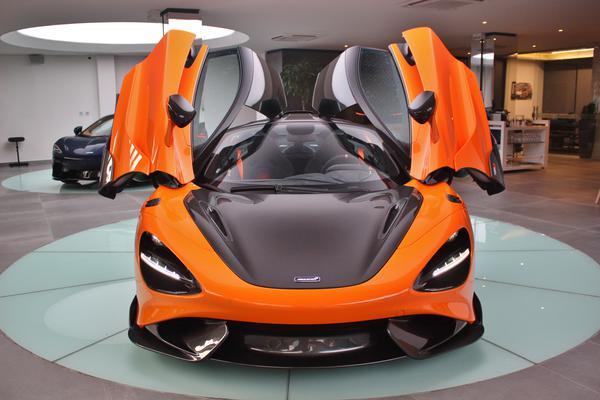 Elas mal chegaram e já foram vendidas. Conheça as McLaren 765LT